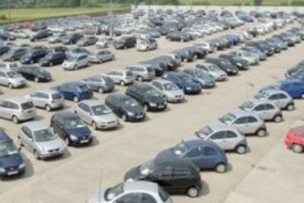 Rekordowy import aut