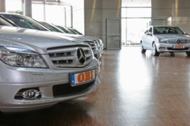 OBI przesiada się do Mercedesa