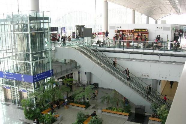 Bruksela i Warszawa utrudniają inwestycje na polskich lotniskach