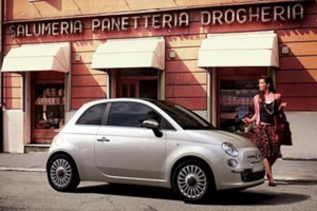 Brytyjki po mieście najchętniej jeździłyby Fiatem 500