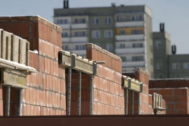 Nie wszyscy wstrzymują budowę mieszkań