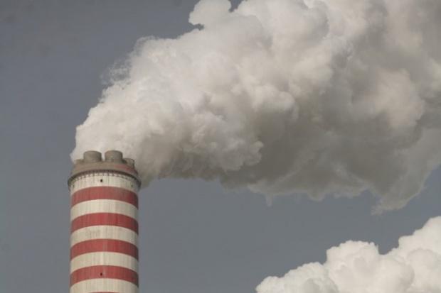 Fitch: Koszty zakupu CO2 dramatycznie podniosą ceny energii w Polsce