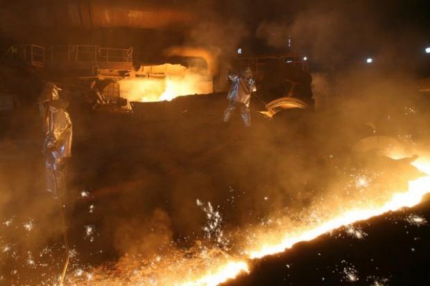 ArcelorMittal dementuje pogłoski o wyłączeniu pieca