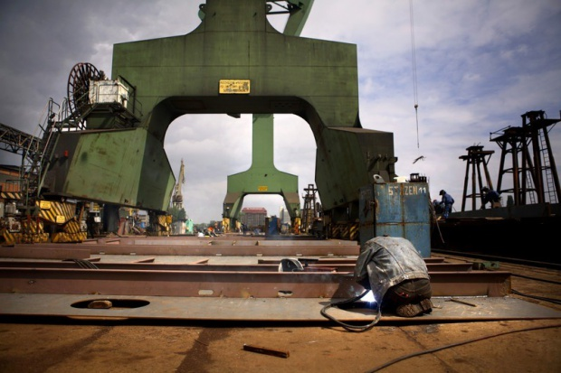 Unijna komisarz stchórzyła przed stoczniowcami