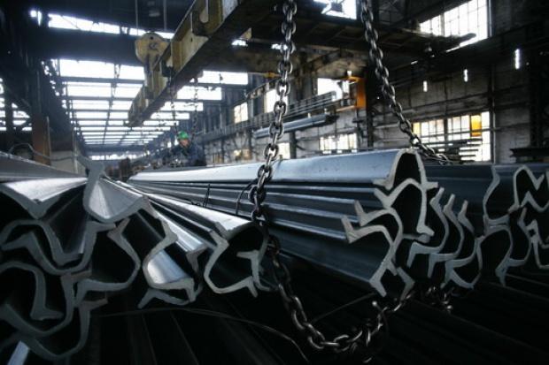 W listopadzie produkcja stali na świecie spadła o 19 proc.