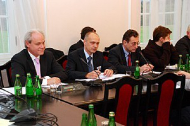 Czego o kondycji moto-branży dowiedziała się Komisja Gospodarki?