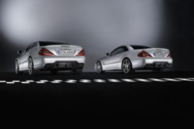 """Mercedes i jego """"salony mocy"""""""