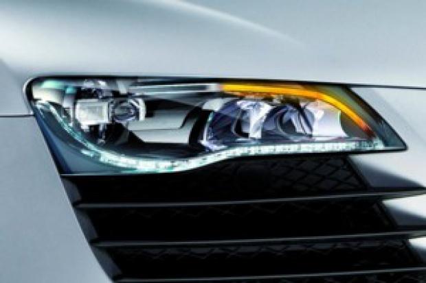 Audi R8: precz z żarówkami