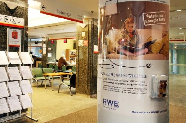 RWE uczy oszczędzać energię w urzędach dzielnic w Warszawie