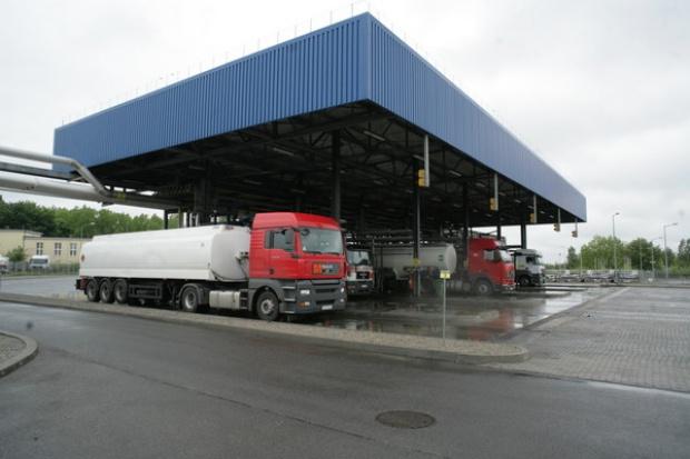 Na rynku paliw rośnie produkcja i spada import