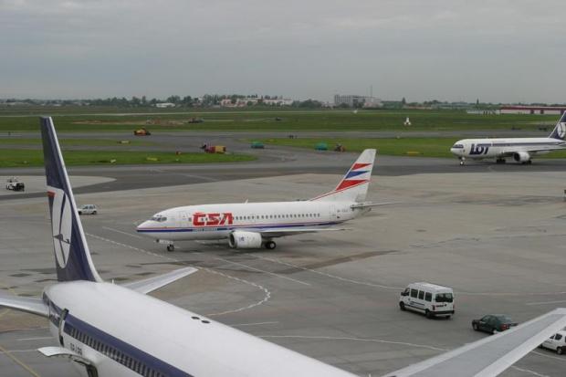Połączenia czarterowe nadrabiają straty lotnisk