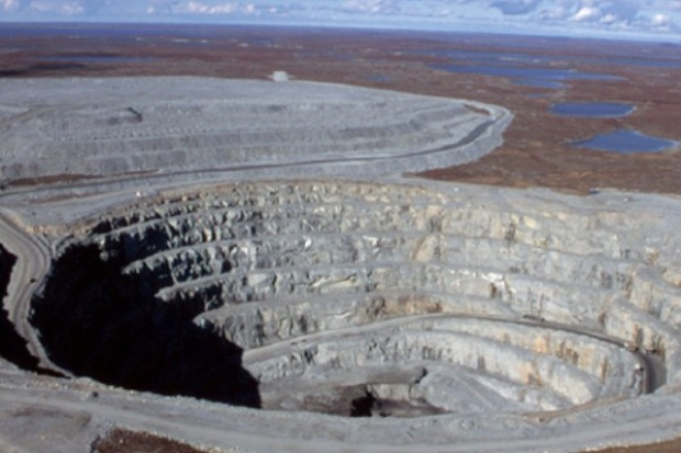 Fala zwolnień w światowym górnictwie