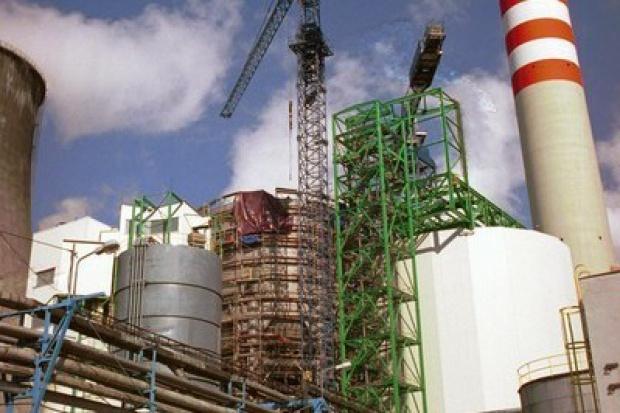 Rekordowa liczba fuzji w energetyce, gwałtowny spadek wartości transakcji