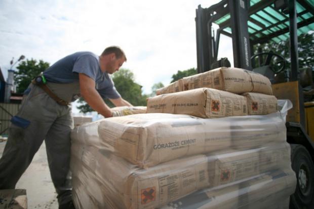 Popyt na materiały budowlane spada