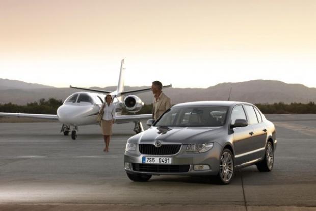 Playboy wybrał Superba biznesowym Samochodem Roku