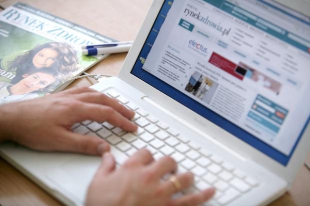 Połowa Polaków korzysta z sieci internetowej
