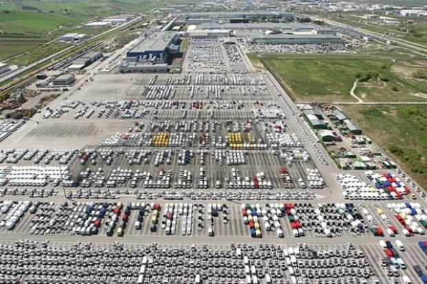 Rząd chce zwiększyć popyt na małe i średnie samochody