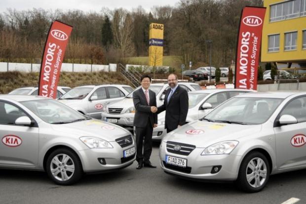 200 samochodów Kia dla ADAC
