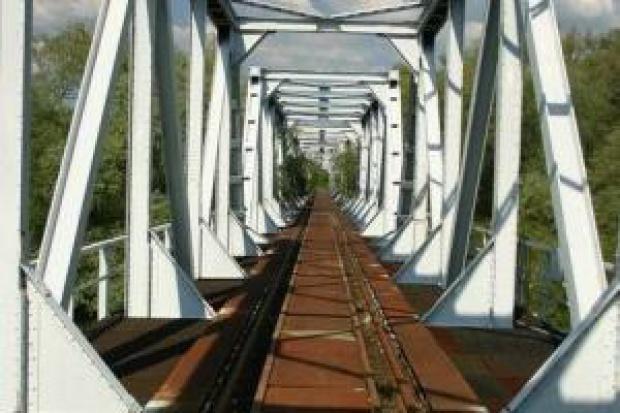 Co zrobić z nieczynnymi mostami kolejowymi?