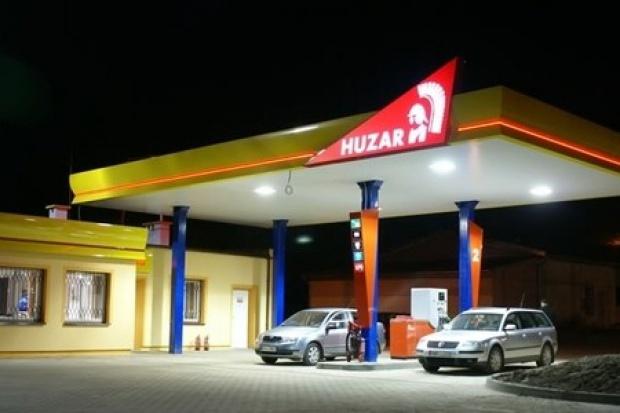 Sieć stacji Huzar rośnie mimo kryzysu