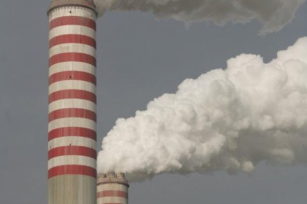 Emisje CO2 spadły o 6 proc. z powodu kryzysu