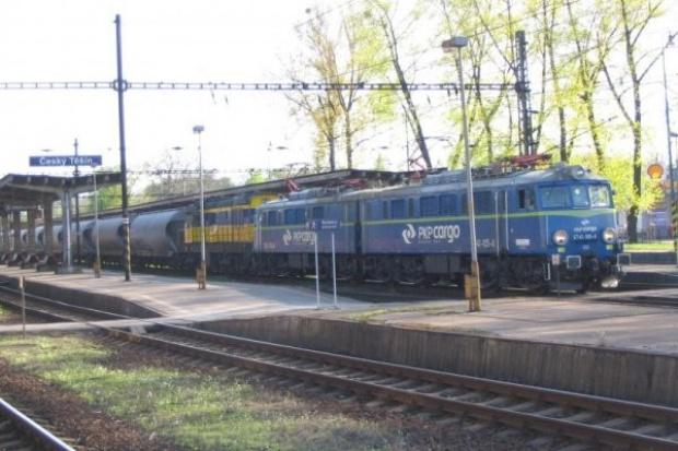 Jedną lokomotywą z jednym maszynistą przez dwie granice