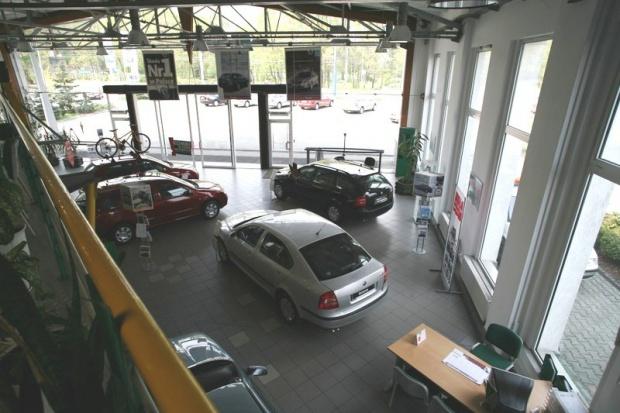 Co trzecie auto z polskich salonów jedzie na Zachód