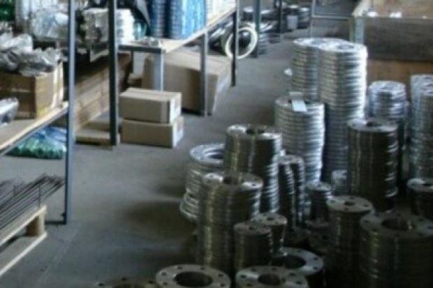 Dystrybutorzy wyrobów ze stali nierdzewnych poszerzają działalność