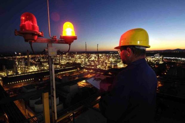 BASF skraca czas pracy kolejnym pracownikom