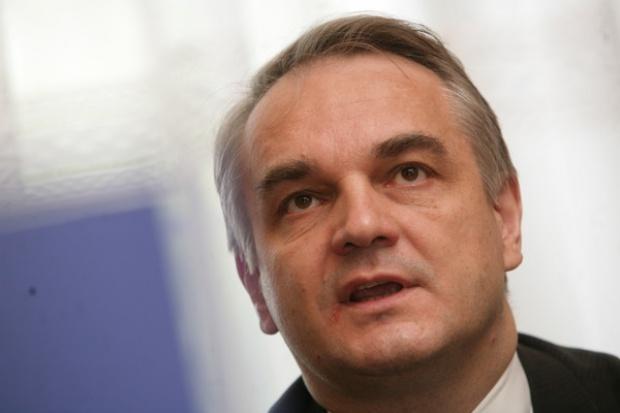 Pawlak nie wie, kto jest ostatecznym nabywcą stoczni w Gdyni i Szczecinie
