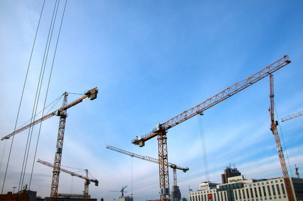 Kwiecień w budowlance na plusie, ale cztery miesiące - na minusie