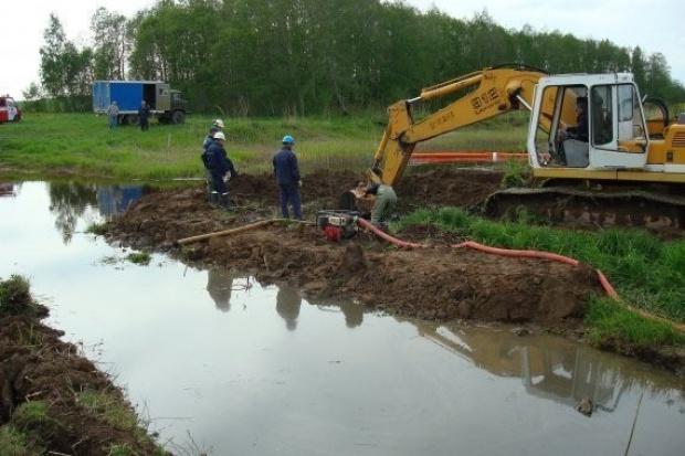 Trwa usuwanie skutków wycieku paliwa na Litwie
