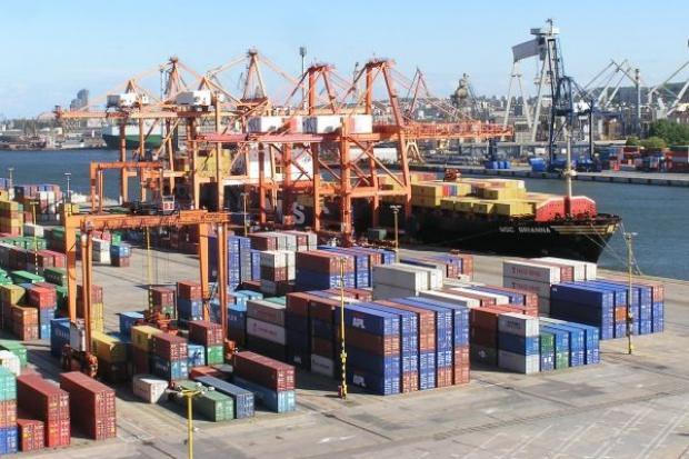 Kolos kontenerowy w Bałtyckim Terminalu Kontenerowym