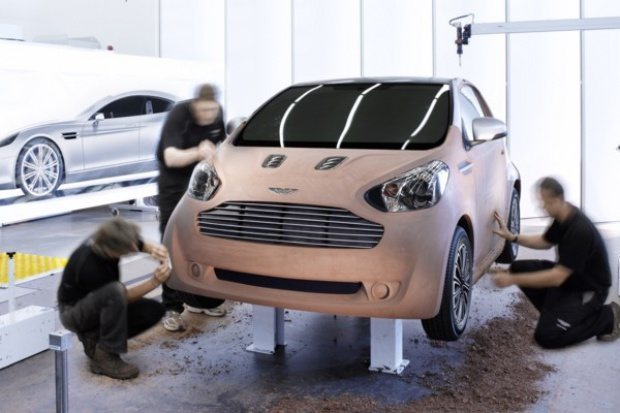 Cygnet: Toyota w skórze Aston Martina