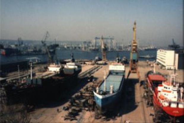 Załoga Stoczni Marynarki Wojennej za strajkiem
