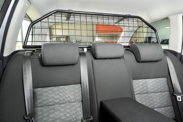 Rząd o odliczeniu VAT od samochodów z tzw. kratką i offsecie