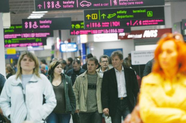 Coraz mniej pasażerów na lotniskach