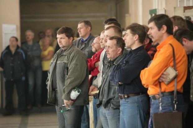 Związkowcy przekazali zarządowi KW roboczy biznesplan dla kopalni Silesia