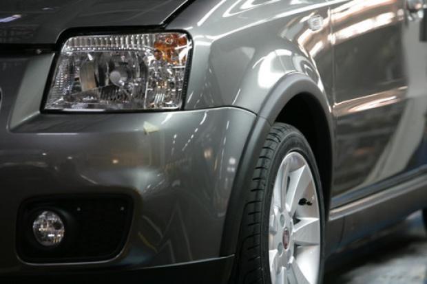 Sprzedaż nowych aut spadnie w 2010 r.
