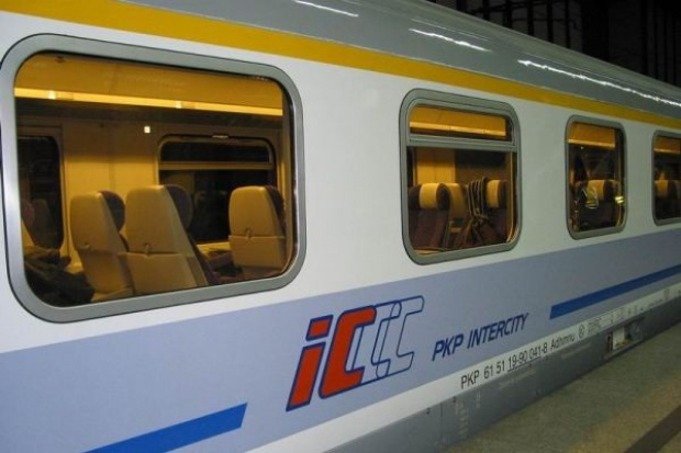 Ministerstwo Infrastruktury broni PKP Intercity przed PKP PR
