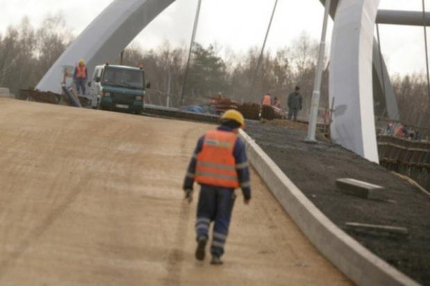 Brakuje pieniędzy na remont dróg, bo poszły na autostrady?