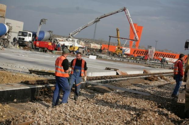Sektor budowlany broni się przed kryzysem