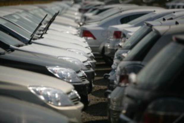 Klasyczny sierpień - kiepska sprzedaż aut