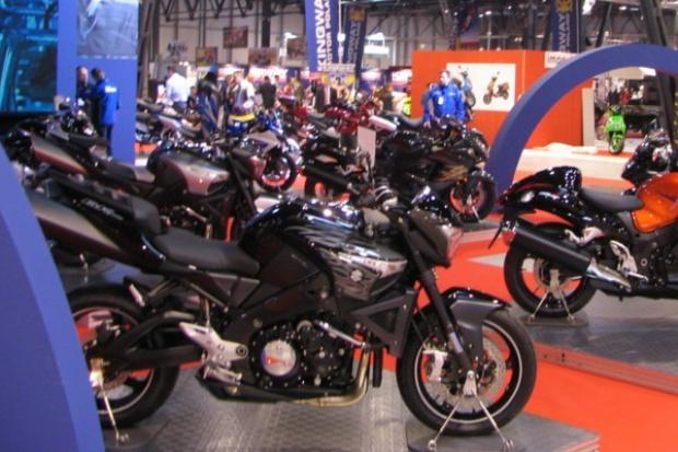 Rynek: więcej motocykli, mniej motorowerów