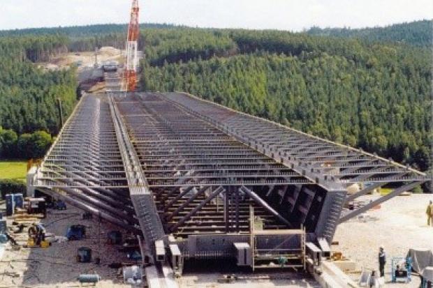 Firmy liczą na inwestycje infrastrukturalne