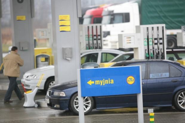 Spada liczba stacji w Polsce - tracą głównie Orlen i Lotos
