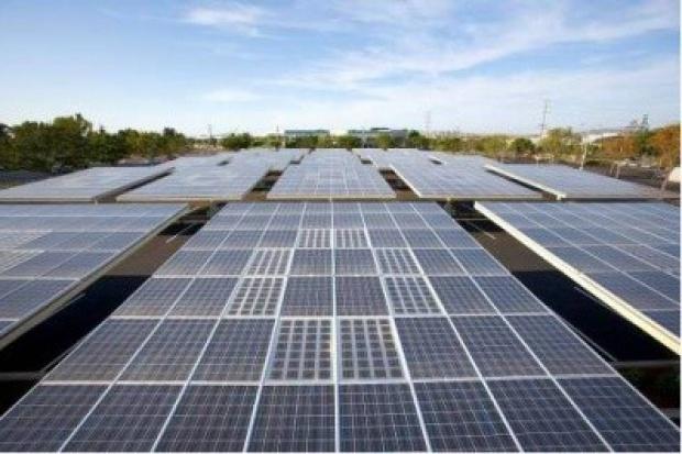 Bridgestone zwiększa produkcję folii do modułów słonecznych