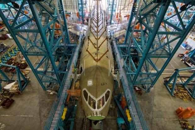 Boeing zakończył instalację centropłata w trzech Dreamlinerach