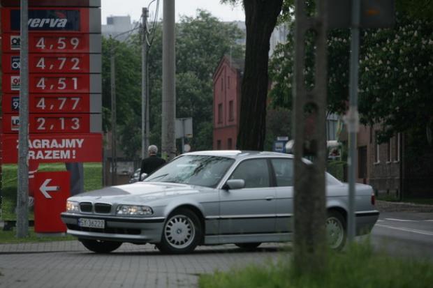 Ceny paliw na stacjach w dalszym ciągu spadają