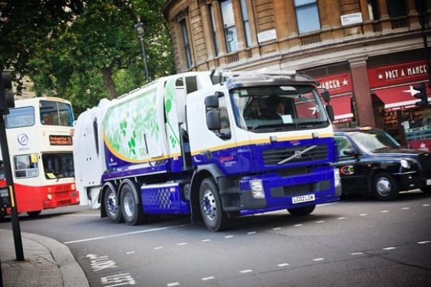 Volvo sprawdza hybrydową śmieciarkę